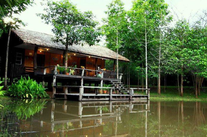บ้านพักริมน้ำ - ชัชนาถ วู๊ดแลนด์ รีสอร์ท