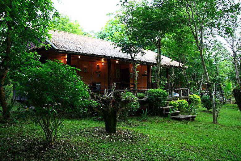 บ้านไม้กลางสวนป่า - ชัชนาถ วู๊ดแลนด์ รีสอร์ท