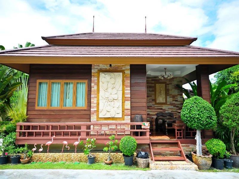 บ้านสราญรมย์ (Baan Saranrom)
