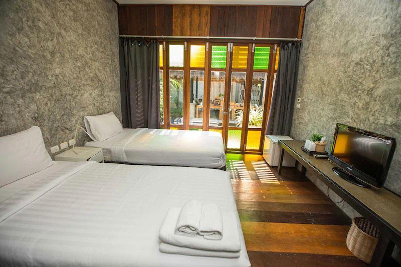 ชบา บานฉ่ำรีสอร์ท (Chababaancham Resort)