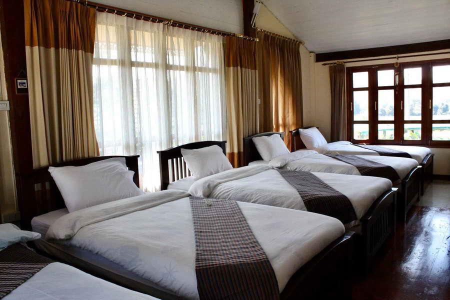 ห้องนอนบังกะโล - กรีนฮิลล์ รีสอร์ท ภูเรือ