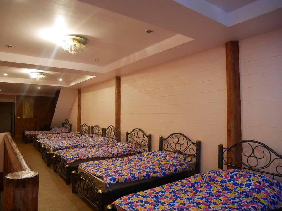 ห้องนอนใหญ่สำหรับครอบครัวหรือกลุ่มใหญ่ - บ้านตอไม้ บ้านมีชื่น โฮมสเตย์