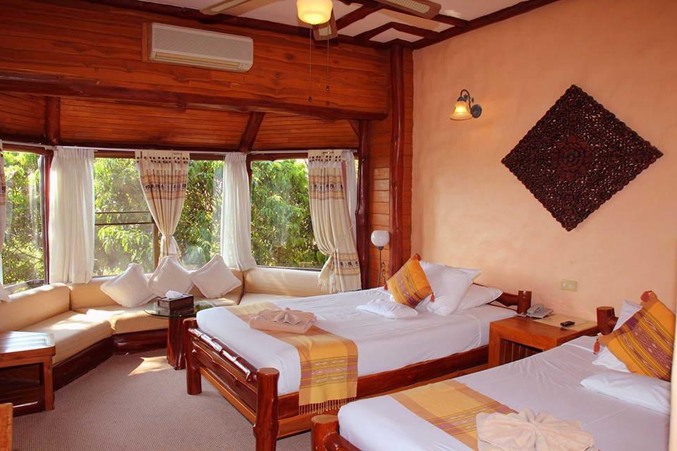 ห้อง Deluxe Room เตียงคู่ - ภูผาน้ำ รีสอร์ท แอนด์ สปา