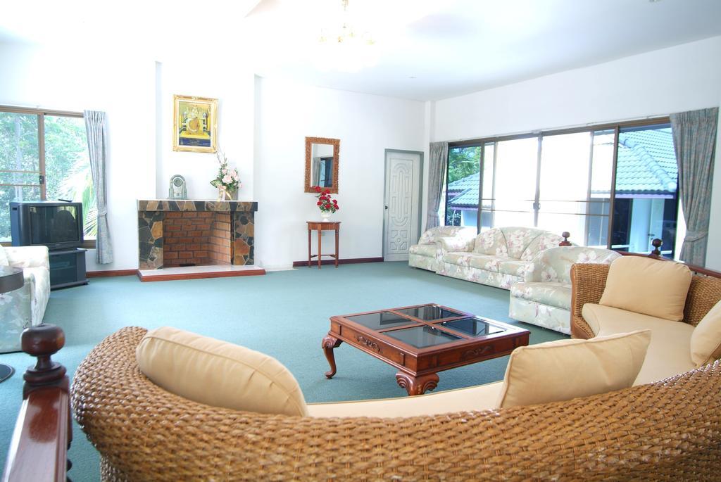 ห้องนั่งเล่นของบ้านสุขนิรันดร์ - ภูดารา รีสอร์ท