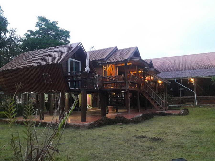 บ้านไทยทรงสูง - ภูเรือบุษบา รีสอร์ท