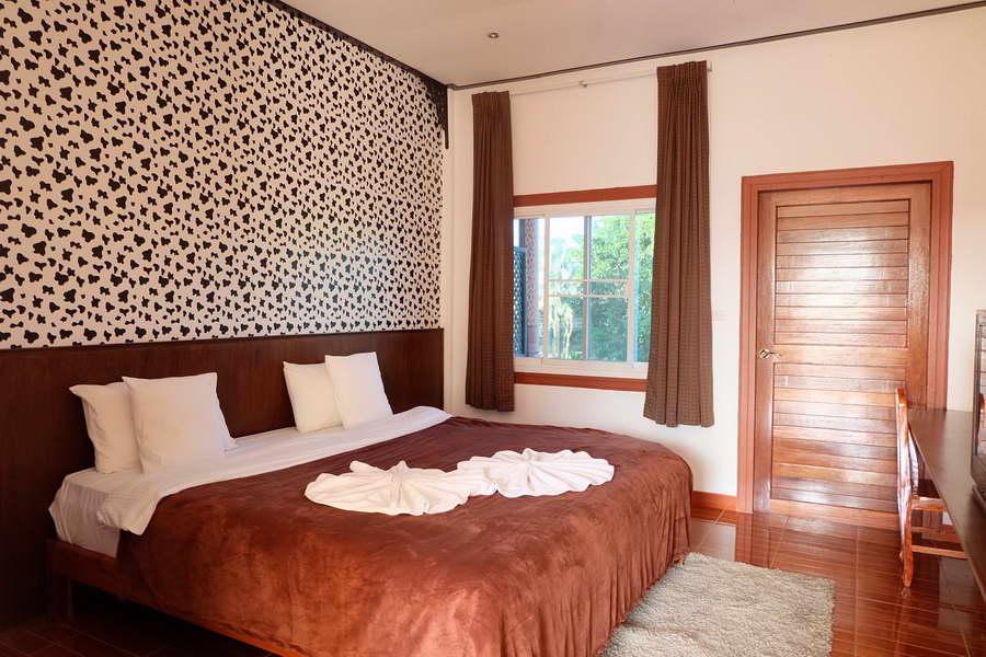 ห้อง Deluxe Room เตียงเดี่ยว - รุ่งทิวา รีสอร์ท ภูเรือ