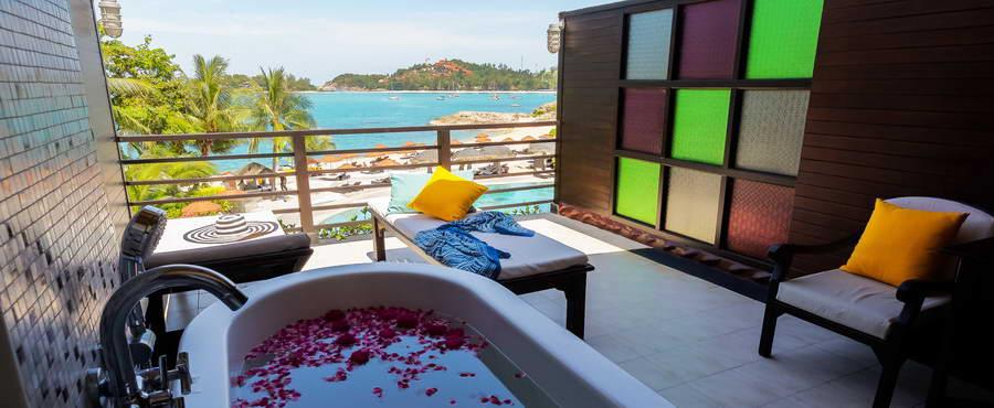 ระเบียงห้อง Beachfront Suites - โรงแรมบ้านท้องทราย