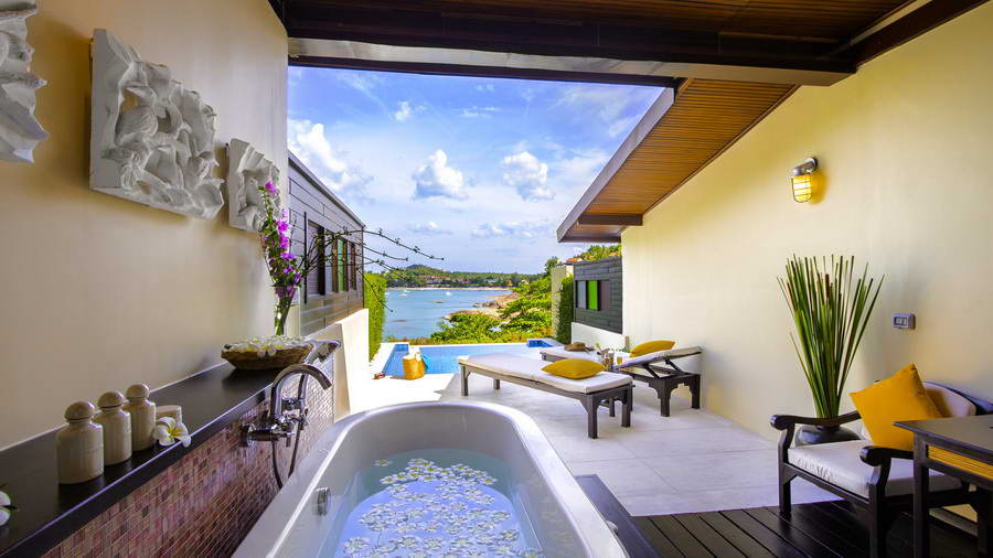 ระเบียงห้อง Pool Cottage - โรงแรมบ้านท้องทราย