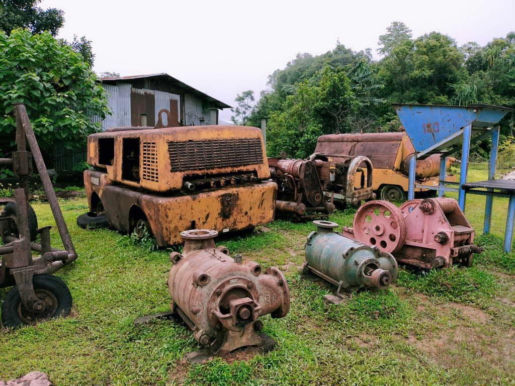 อุปกรณ์เครื่องมือเก่าจากยุคสมัยรุ่งเรืองของเหมืองปิล็อก