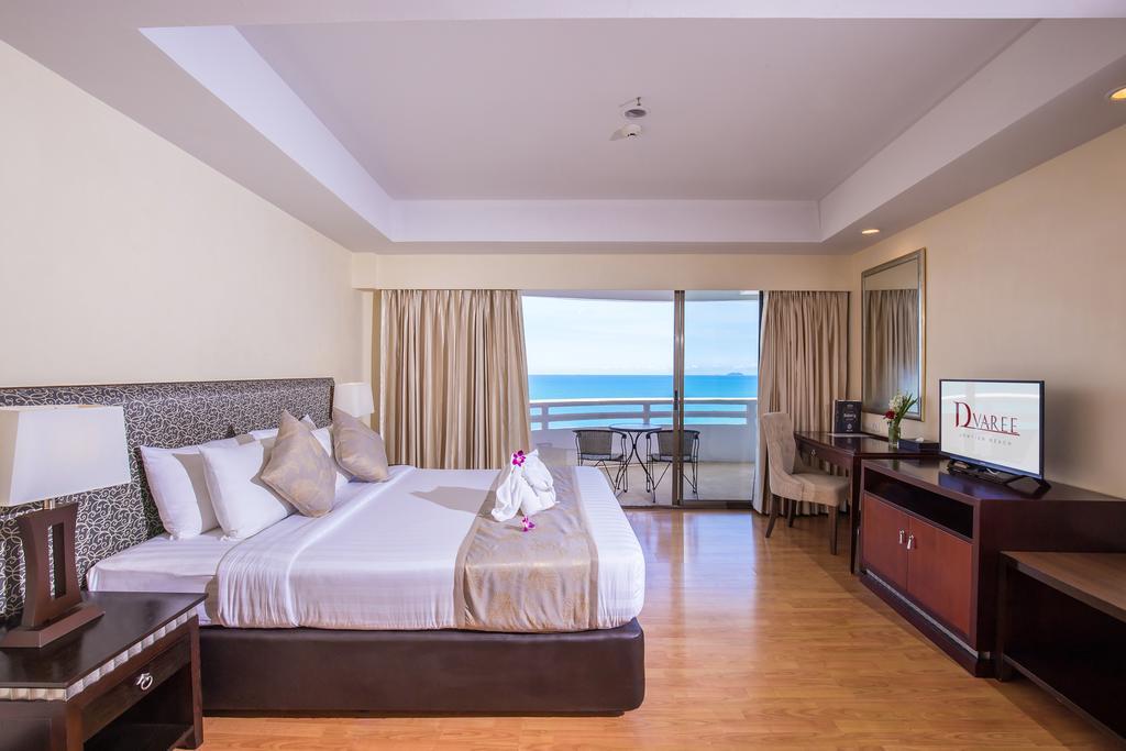 ห้อง EXECUTIVE SUITE วิวทะเล - โรงแรมดี วารี จอมเทียน บีช พัทยา