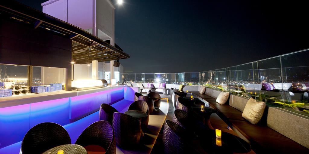 ห้องอาหาร Rooftop Bar - โรงแรมดี วารี จอมเทียน บีช พัทยา