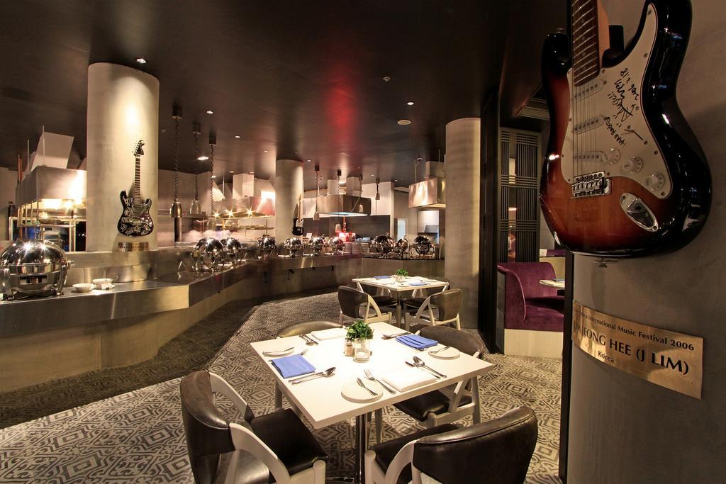 ร้านอาหาร - โรงแรมฮาร์ดร็อค พัทยา