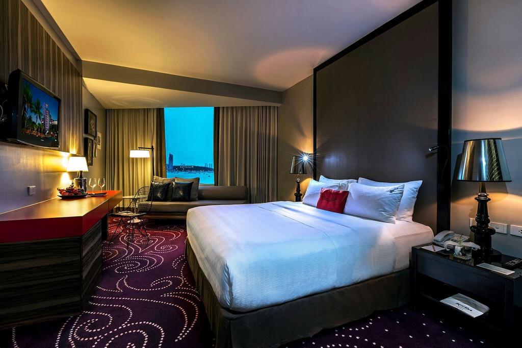 ห้อง Deluxe วิวทะเล - โรงแรมฮาร์ดร็อค พัทยา