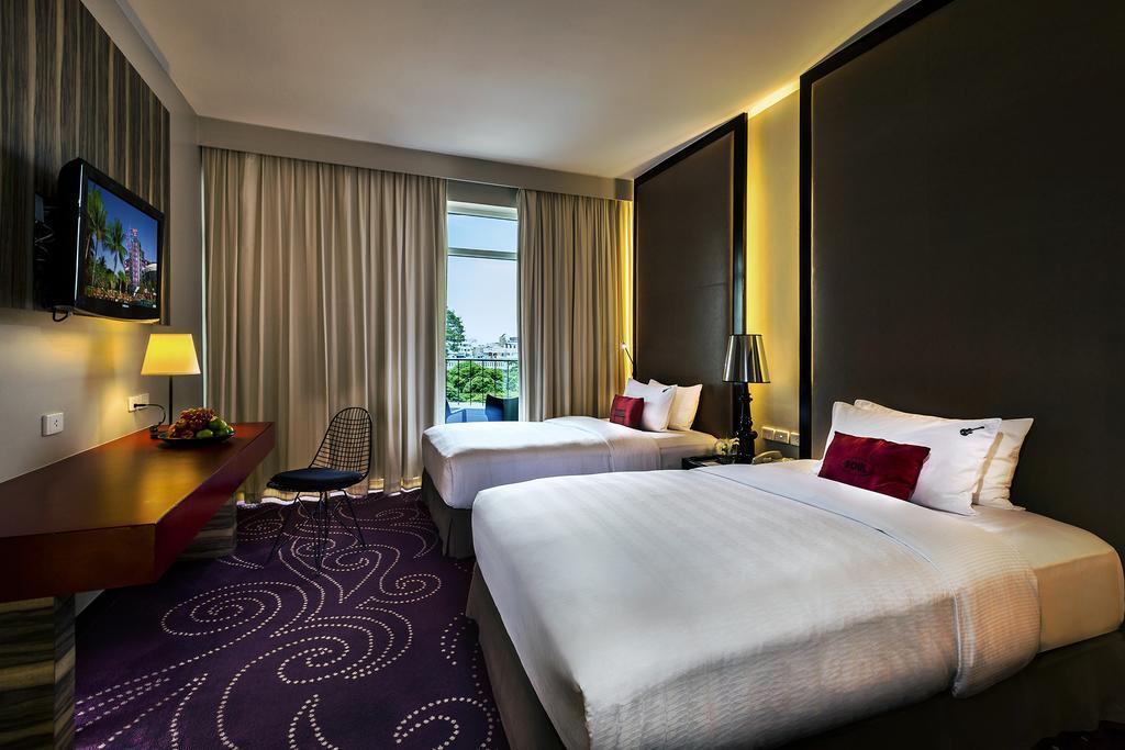 ห้อง Rock Royalty วิวเมือง - โรงแรมฮาร์ดร็อค พัทยา