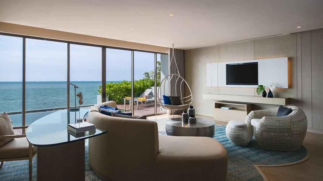 วิลล่า Beachfront Pool Villa วิวทะเล - เรเนซองส์ พัทยา รีสอร์ท แอนด์ สปา