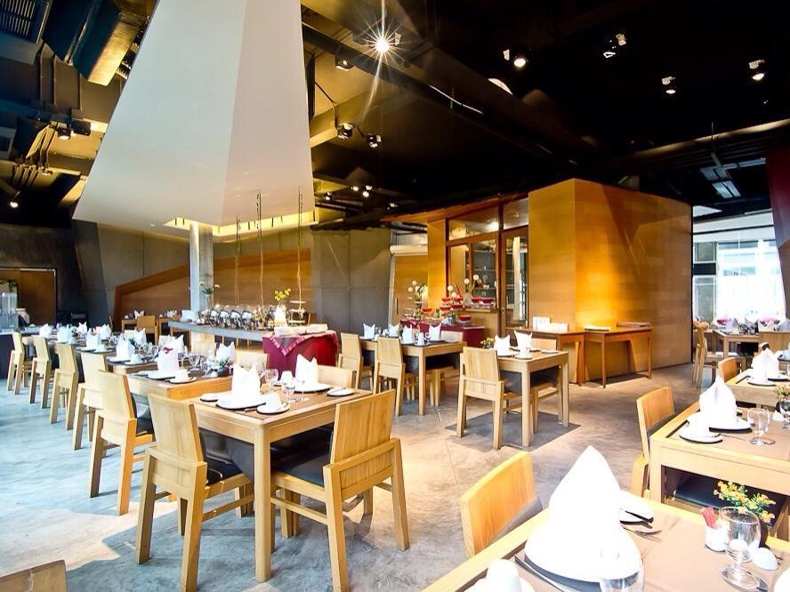 ร้านอาหาร - โรงแรมเดอะ นาว