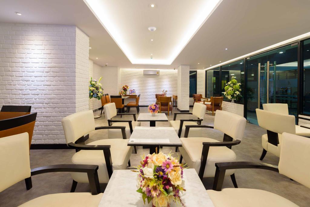 ห้องรับประทานอาหาร - ดีพ บลู แซด 10